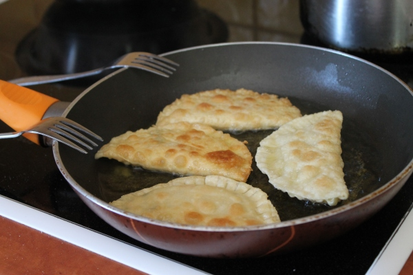 Pitarakia recipe - Fried greek cheese pies