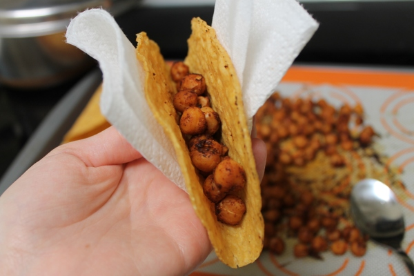 Chickpea tacos - loading the shells 1