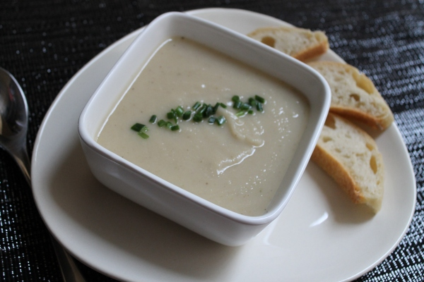 Vegan parsnip soup - cover