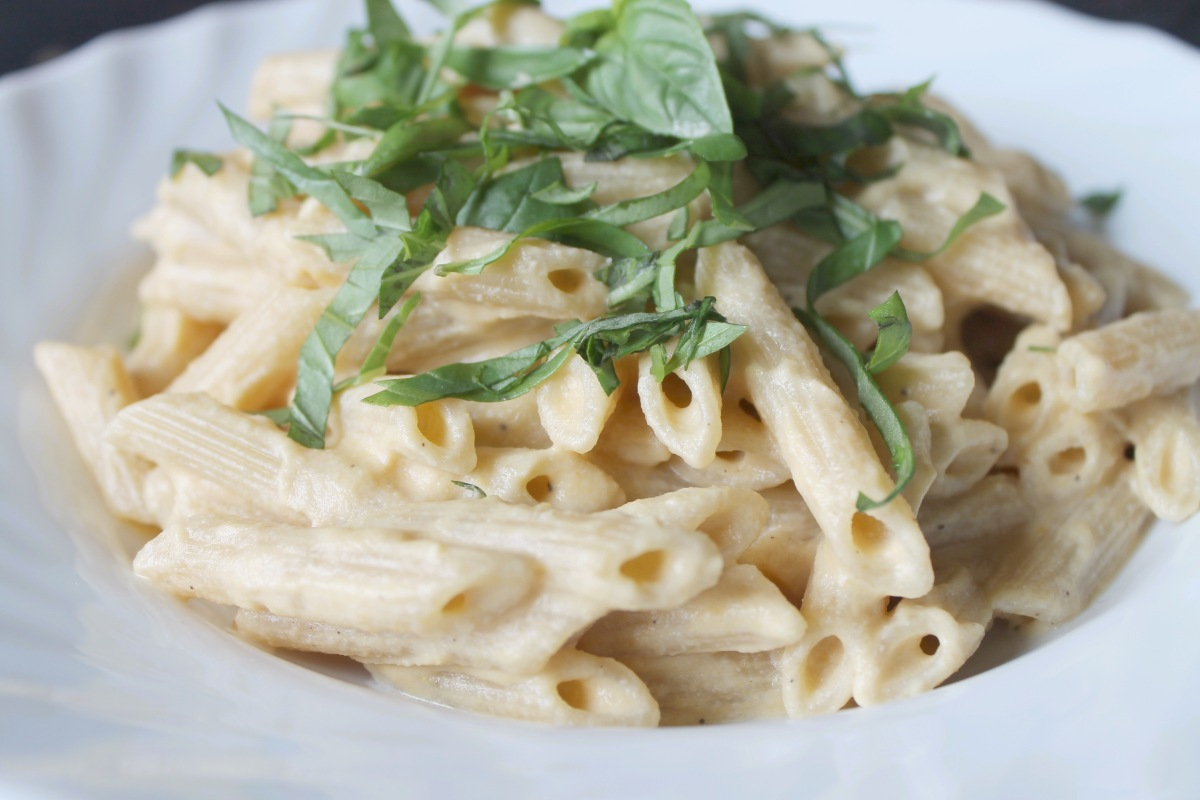 Vegan comfort food: creamy roasted butternut squash pasta