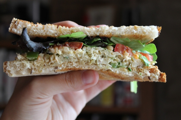 Chickpea salad sandwiches - easy recipe